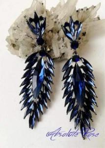 Луксозни обици с кристали в тъмносиньо