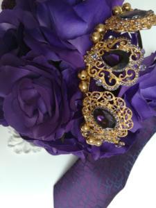 Вратовръзка, корона и букет в лилаво - Purple Passion