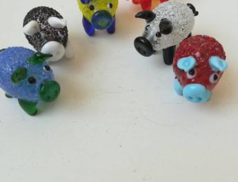 Подарък за колеги 6 броя ръчно изработени кристални прасенца за късмет през 2019 - годината на Глигана модел 3