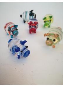 Фън Шуй подаръци за колеги за годината на земното прасе - ръчна изработка от стъкло - 6 броя