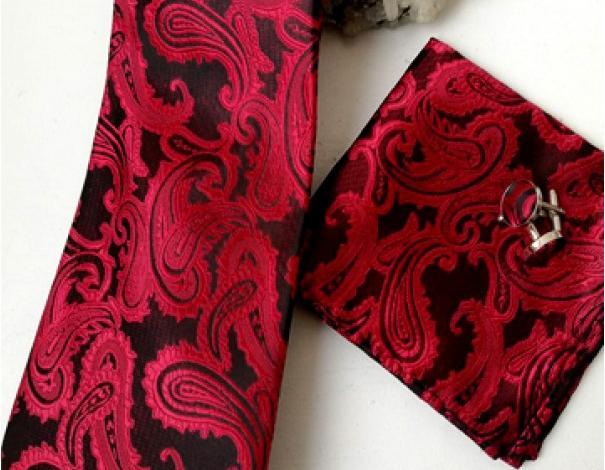 Как се връзва вратовръзка и папийонка? 7 различни начина