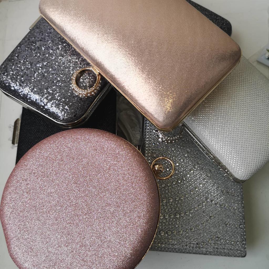 Чанти с брокатен ефект