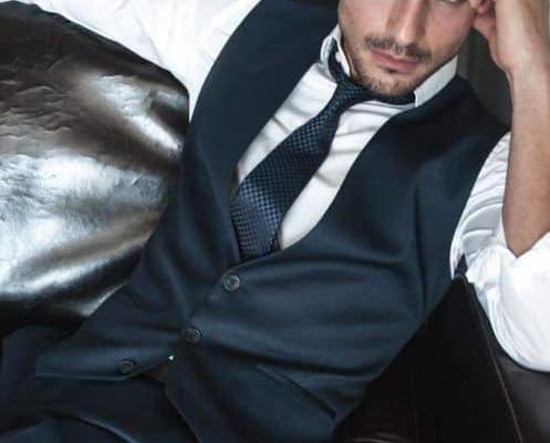 Модните цветове в мъжкото облекло тази зима - на фокус тъмно синьото