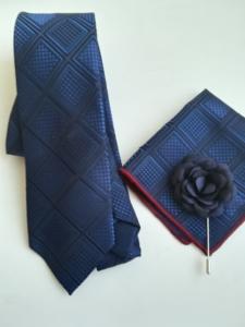 Луксозен комплект с мъжка вратовръзка в тъмно синьо