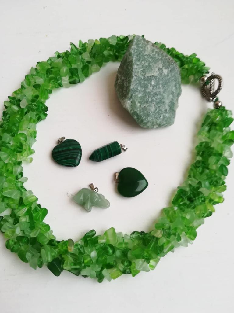 Бижута и сувенири от Нефрит