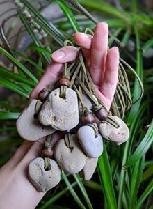 Значение на камъчетата с дупка