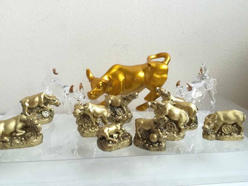 Фън шуй сувенири за 2021 годината на Металния Бик